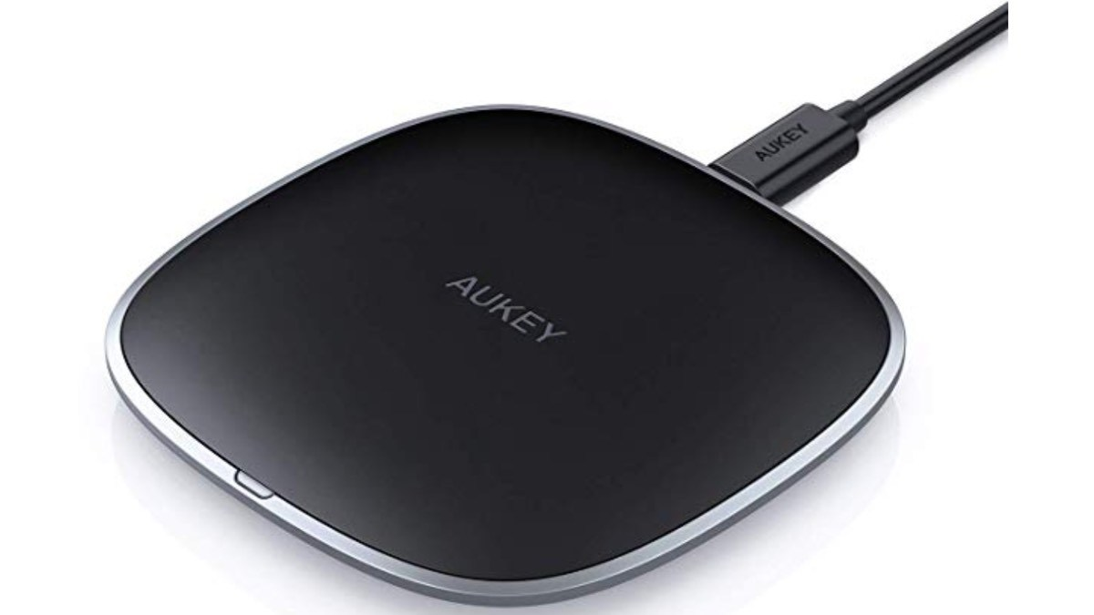 Geek Daily Deals 110518 qi charger