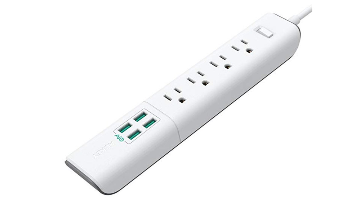 Geek Daily Deals 121818 surge protector