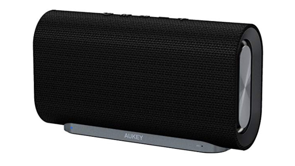 Geek Daily Deals 010419 bluetooth speaker