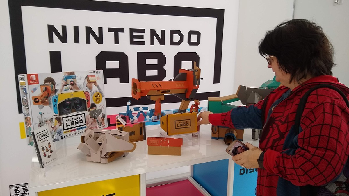 Nintendo Labo VR display