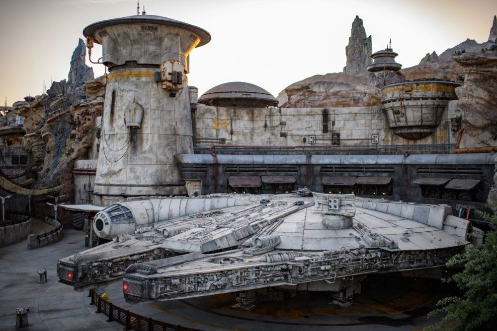 Star Wars Galaxy's Edge land in Disneyland