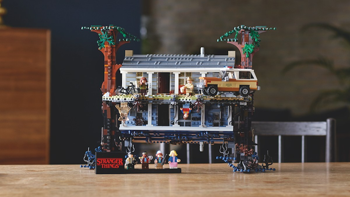 The amazing Stranger Things LEGO set: the Upside Down.