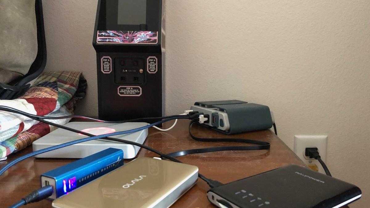 Hurricane cell phone battery management