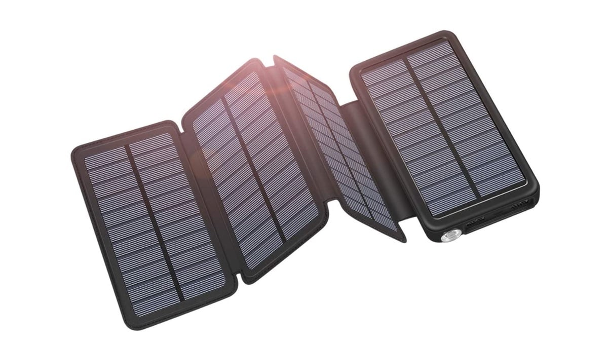 Geek Daily Deals 032920 solar charger