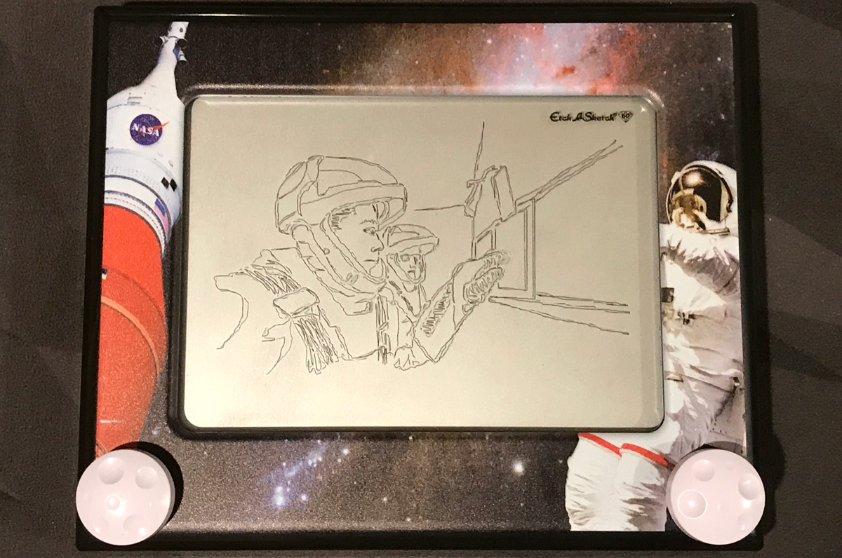 NASA Etch-a-Sketch with SpaceX astronauts drawing
