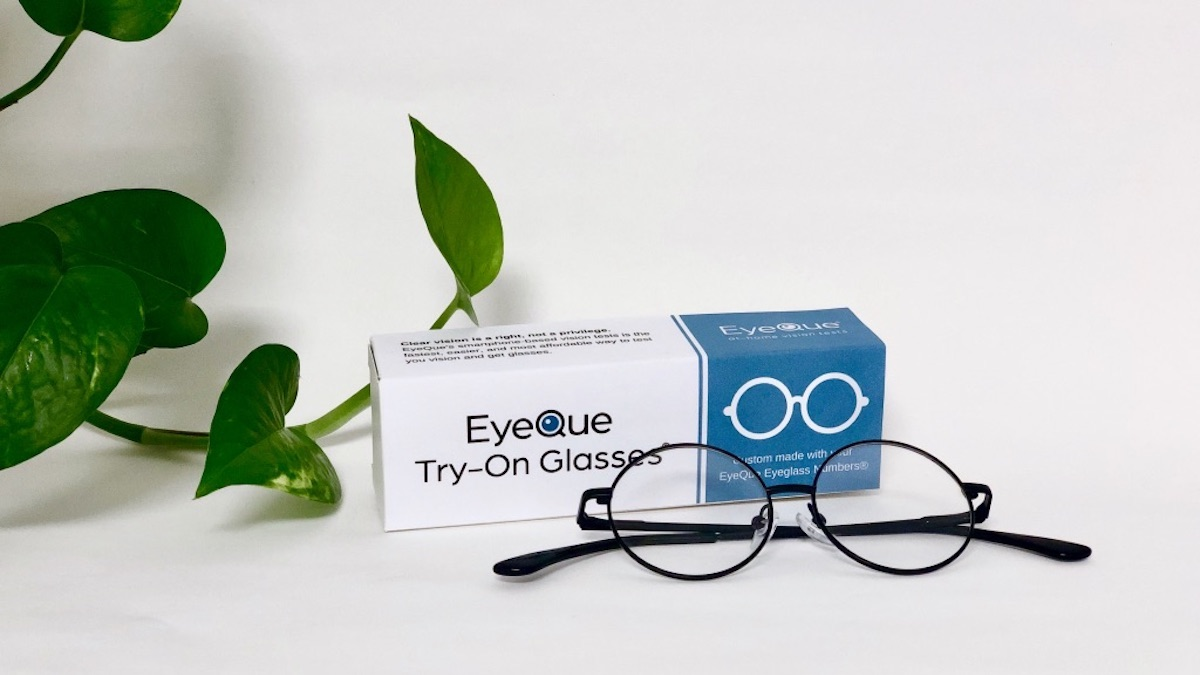 EyeQue Try-On Glasses let users try their new prescription without the high cost.