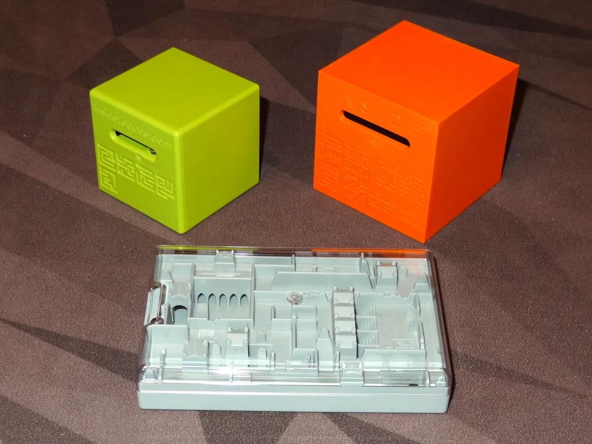 Inside Ze Cube: Cubes and Legend maze