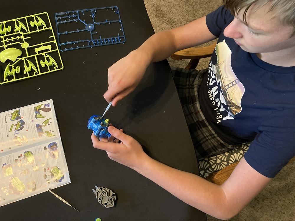 assembling robot